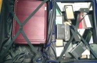 """В аеропорту """"Бориспіль"""" забули багаж з телефонами та навушниками на суму 1,8 млн грн"""
