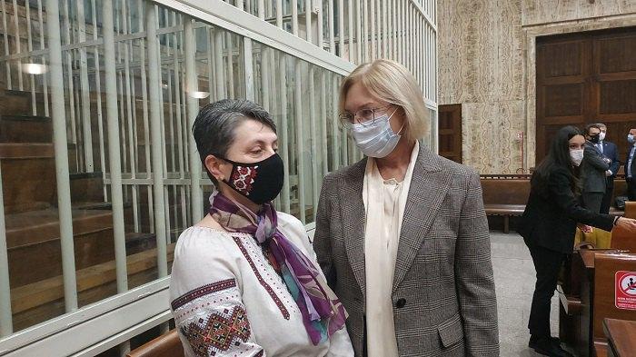 Омбудсман з матір'ю Марківа на суді