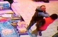 У київському супермаркеті чоловік убив іншого покупця одним ударом, - соцмережі