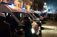 "Нардеп: ""титушки"" ночью разгромили 30 машин скорой помощи"
