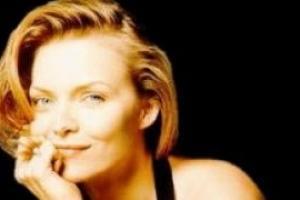 Мишель Пфайффер: В Голливуде такой культ молодости, что я уже лет двадцать слышу сочувственные речи – мол, не тяжело ли стареть?