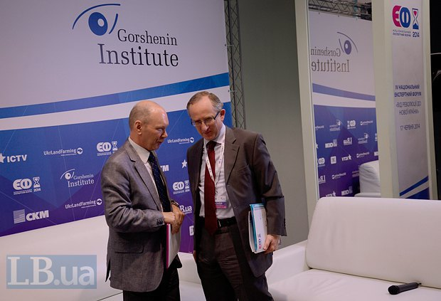 Дипломат Андрей Веселовский(слева) и посол ЕС в Украине Ян Томбинский