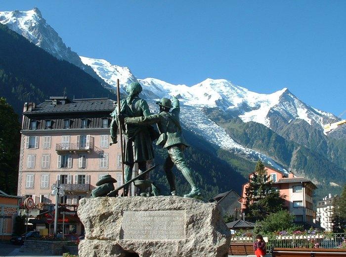 Курорт Шамони в Альпах, где предположительно базировались российские агенты