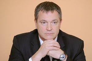 Колесниченко просит Азарова не штрафовать предприятия из-за закона о языках