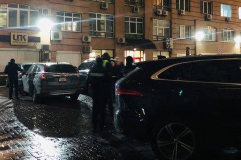 Правоохранители задержали подозреваемого в убийстве в центре Киева пластического хирурга