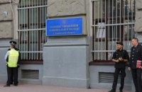 Житель Львова, затриманий за крадіжку, втік з відділення зі зброєю поліцейського