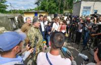 Порошенко объяснил заявление Турчинова об отмене АТО (обновлено)
