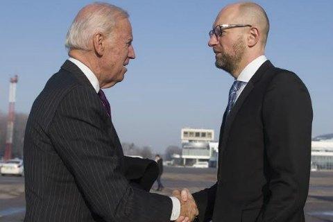 """Яценюк назвав Байдена """"великим віце-президентом США"""""""
