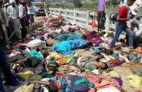 Число жертв давки у индийского храма достигло 115 человек