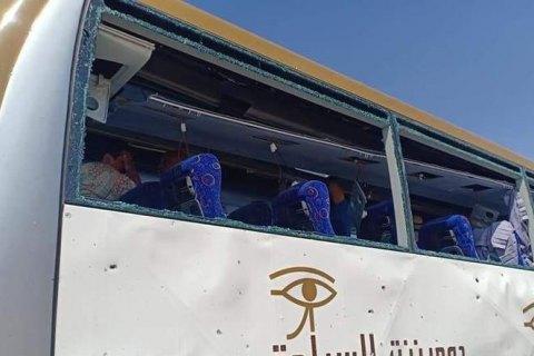 У Єгипті через вибух біля автобуса постраждало понад 12 туристів