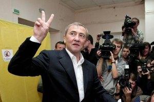 Київрада прийняла відставку Черновецького