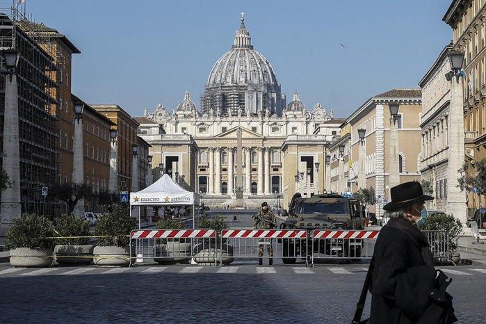 Площа Святого Петра у Ватикані, Рим, 20 березня 2020 року