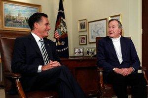 Буш-младший поддержал Ромни на выборах