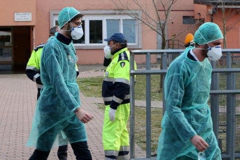 Власти Италии подтвердили еще одну смерть от коронавируса