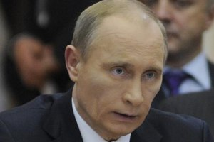 Путін: Саакашвілі чіплятиметься за владу в Грузії