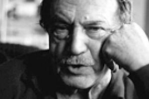 Скончался писатель Василий Аксенов