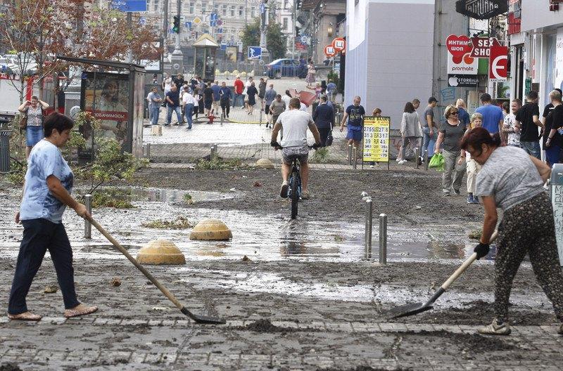 Последствия потопа на Крещатике 16 августа