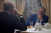 Олівер Стоун попросив Путіна стати кумом