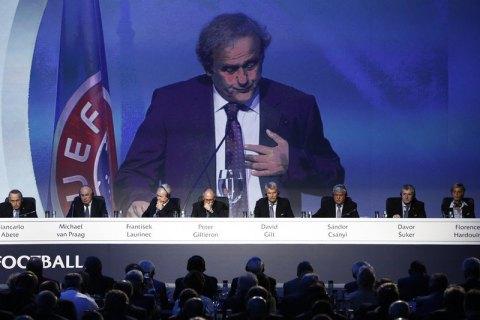 ФИФА желает запретить аренду игроков вфутболе