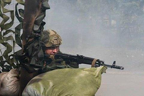 Боевики запросили режим тишины и открыли огонь, ранен украинский военный