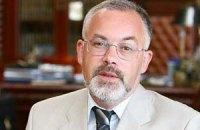 Табачник считает, что пощечина букетом – хулиганство без политики