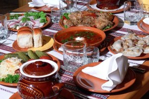 Гостей Давоского форума накормят салом и борщом