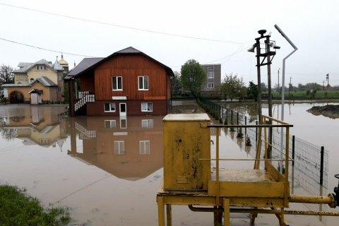 Зеленский подписал указ о неотложных мерах по преодолению паводков в Закарпатской и Ивано-Франковской областях