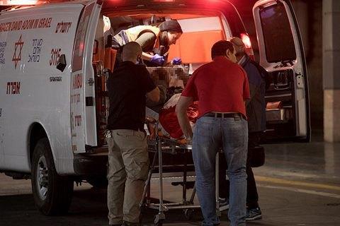 В Єрусалимі терорист на вантажівці в'їхав у військових (оновлено)