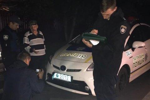 У Києві п'яна компанія напала на патрульних і розбила їхній автомобіль