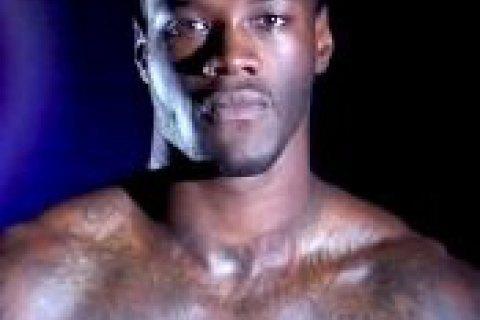 Чемпіон світу в суперважкій вазі програв суд на 4,4 млн дол. російському боксеру