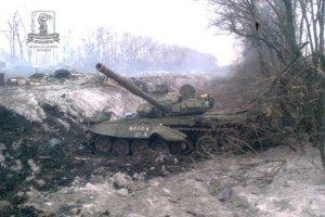 Уночі бойовики не припиняли обстрілювати позиції українських військових