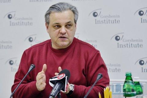 Порошенко десять раз подумает, стоит ли играть в игру с Саакашвили, - Рахманин