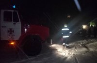 Из-за пожара в доме в Харьковской области эвакуировали 50 человек, двое погибли