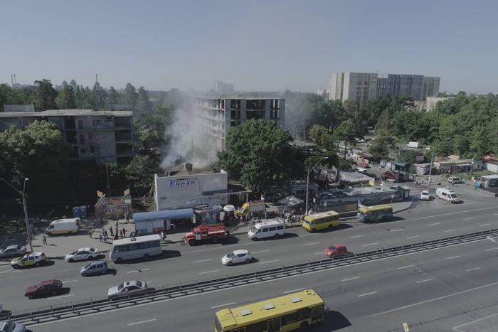 ВКиеве вспыхнул пожар вмногоэтажном здании прежнего кинотеатра дисплей