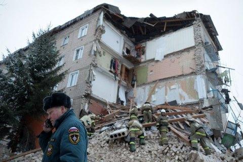 В России обрушилась часть жилого дома с первого по пятый этаж