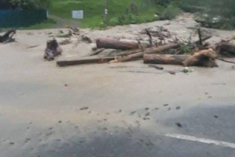 348 населенных пунктов остались без электричества из-за сильного ветра и дождя