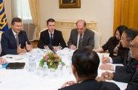 Янукович увидел большие перспективы в отношениях с Сингапуром
