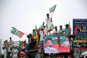 У Пакистані скоєно замах на лідера опозиції
