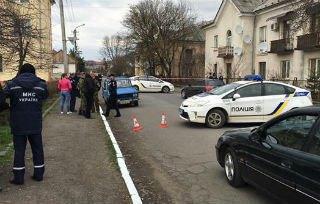 """Поліція відкрила кримінальне провадження за статтею """"замах на вбивство"""" після стрілянини в Мукачевому"""