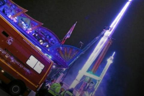 Во Франции в новогоднюю ночь из-за поломки аттракциона люди на 9 часов застряли на высоте 52 метра