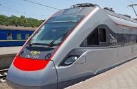 Пассажиров поезда эвакуировали из-за сообщения о минировании (обновление)