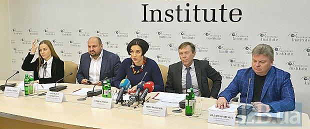 Зліва-направо: Олена Сотник, Борислав Розенблат, Соня Кошкіна, Сергій Соболєв, Вадим Кривенко.