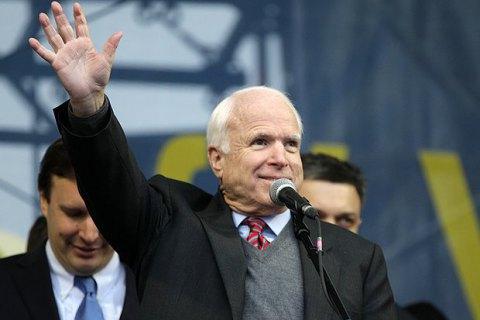 Порошенко запропонував перейменувати вулицю Івана Кудрі в Києві на честь Маккейна