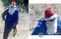 У Маріуполі невідомий у шапці та в бороді Діда Мороза п'ять разів вистрелив в охоронця комбінату