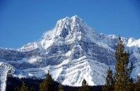 Три відомих альпіністи загинули при сході лавини в Канаді