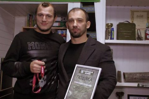 Победитель аукциона оставил Зозуле медаль финалиста Лиги Европы