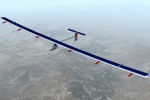 """""""Сонячний"""" літак уперше здійснив міжконтинентальний переліт"""