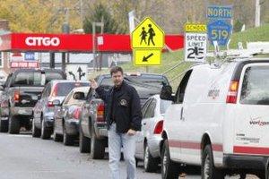 "Обама приобрел бензин для жертв урагана ""Сэнди"""