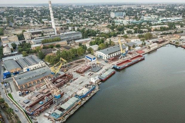 """Сучасний суднобудівний-судноремонтний завод """"Нібулону"""""""