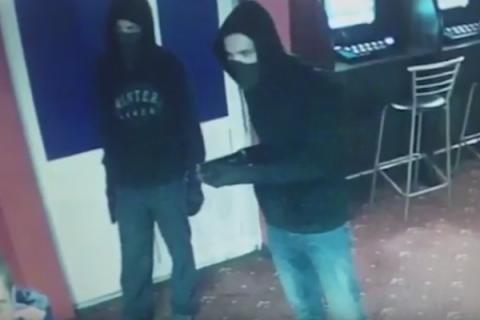 В Киеве полгода орудует банда серийных грабителей обменников и интернет-кафе